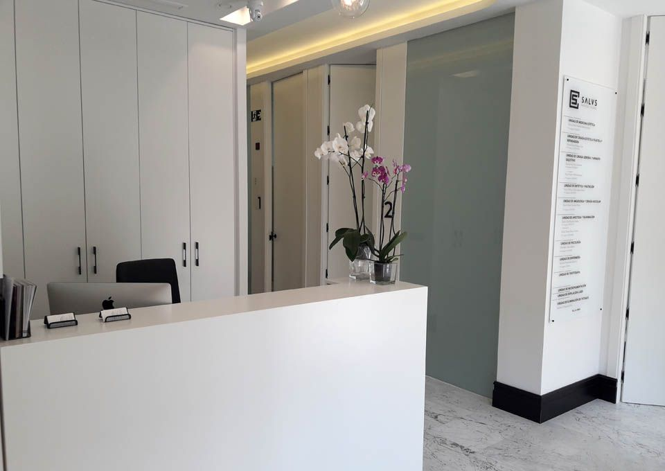 Cirugía estética en Granada | Clínica Salus Medical Clinic